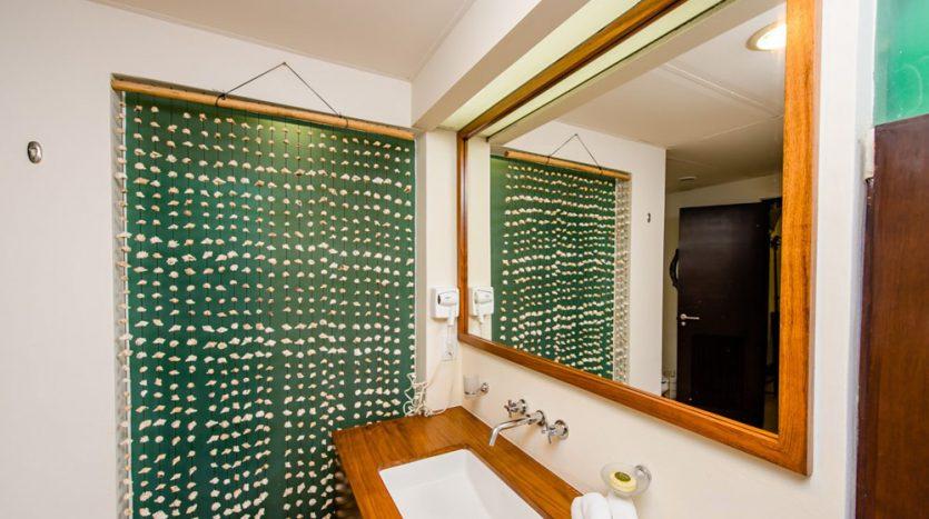 30 Bathroom 2