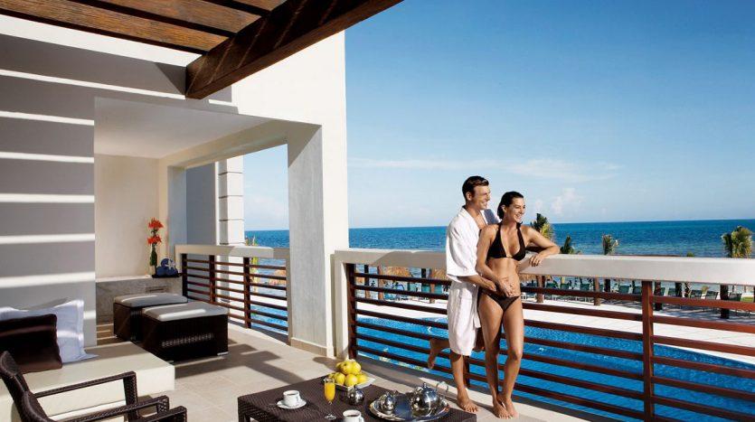 hotel for sale 44 puerto morelos 011