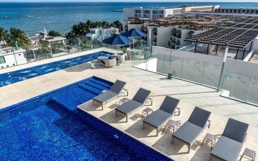 Pool 9 525x328 - Cruz Con Mar