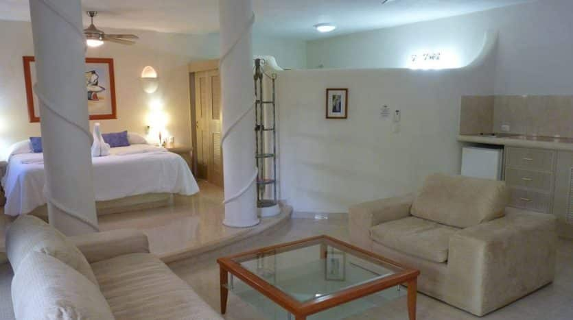 hotel for sale 22 playa del carmen 12 835x467 - Hotel for Sale #22