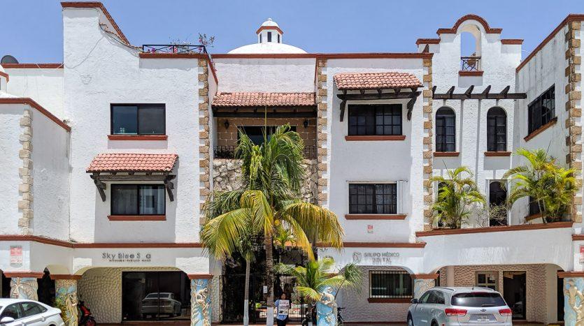 hacienda san jose c3 playa del carmen 2 bedroom condo  022 835x467 - Hacienda San Jose 1 Bedroom + Studio