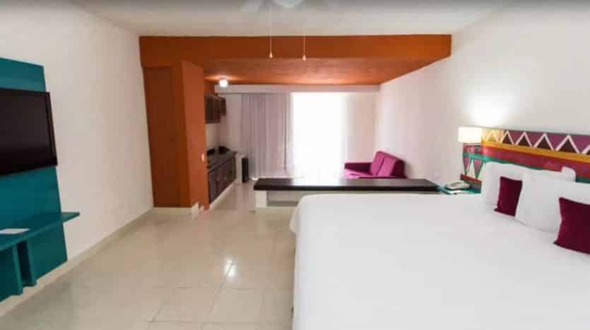 hotel for sale 50 cancun 1 835x467 - Hotel for Sale #50