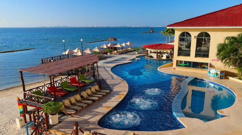 hotel for sale 50 cancun 2 835x467 - Hotel for Sale #50