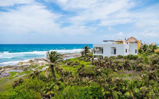villa puerta azul beach front home akumal 1 525x328 - Villa Puerta Azul