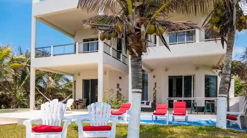 villa puerta azul beach front home akumal 11 835x467 - Villa Puerta Azul