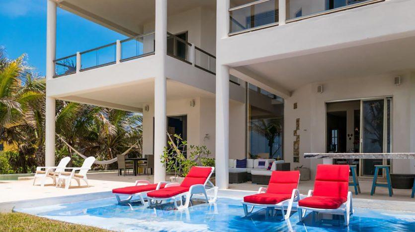 villa puerta azul beach front home akumal 12 835x467 - Villa Puerta Azul
