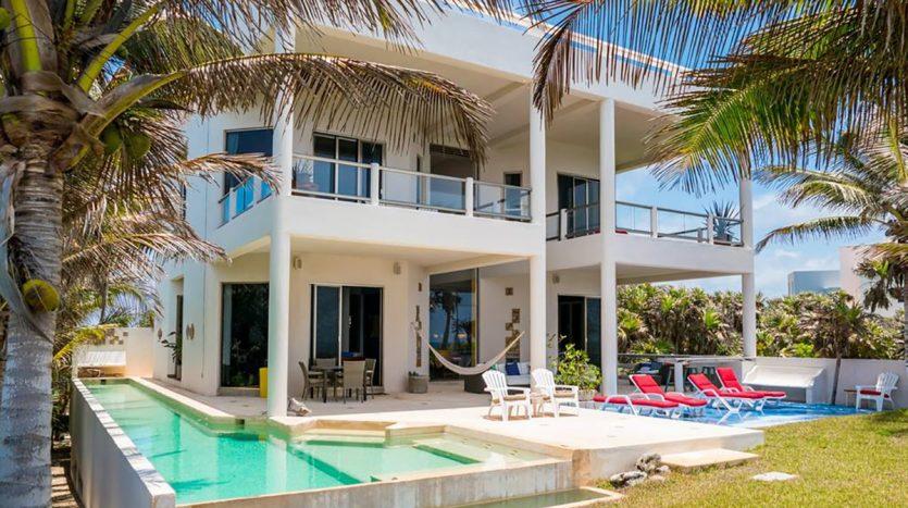 villa puerta azul beach front home akumal 14 835x467 - Villa Puerta Azul