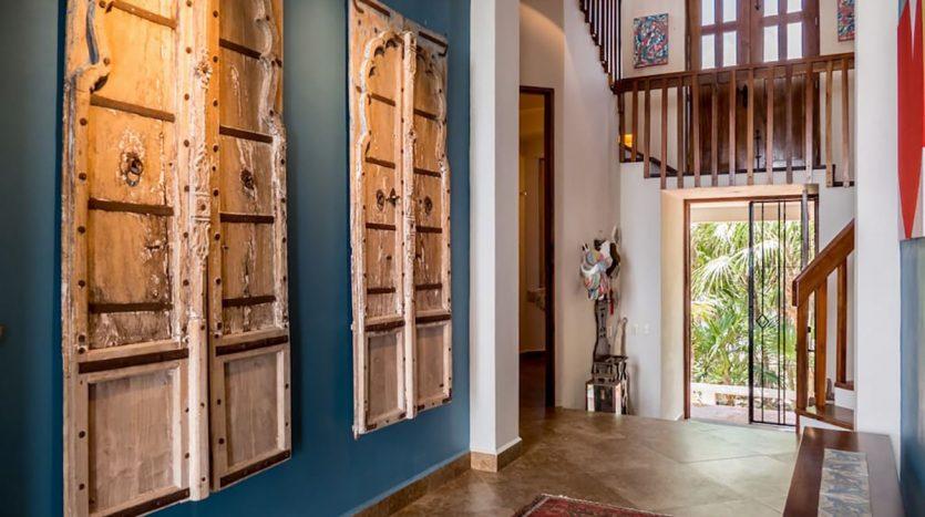 villa puerta azul beach front home akumal 17 835x467 - Villa Puerta Azul