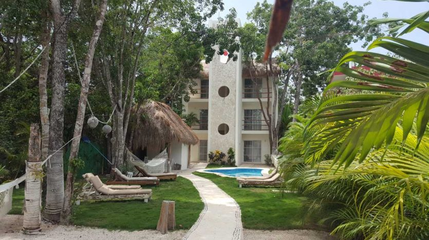 Tulum 6 Unit Building