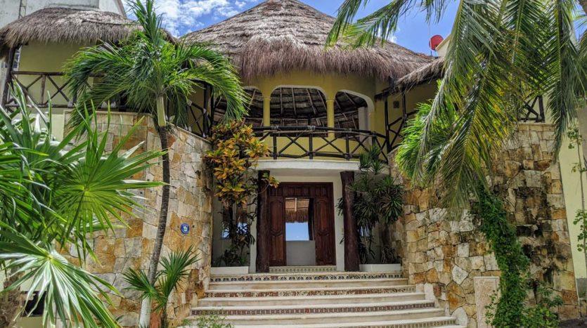 Casa Ensueño 3 Bed Beachfront Home