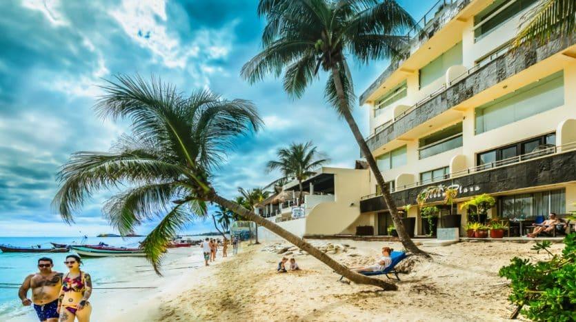 Ocean Plaza 2-Bed Beachfront Condo